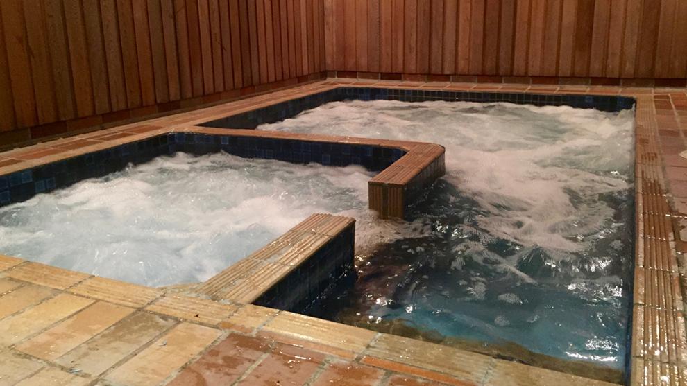 australia ski winter holiday spa sauna